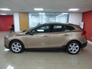 VOLVO V40 D2 CROSS COUNTRY LUX - 5110 - 26