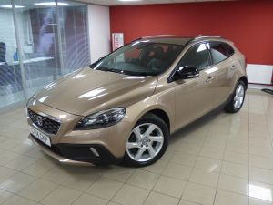 VOLVO V40 D2 CROSS COUNTRY LUX - 5110 - 4