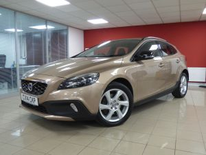 VOLVO V40 D2 CROSS COUNTRY LUX - 5110 - 5
